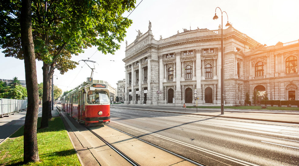Upplev Burgtheater i Wien med Nordic Choice Club